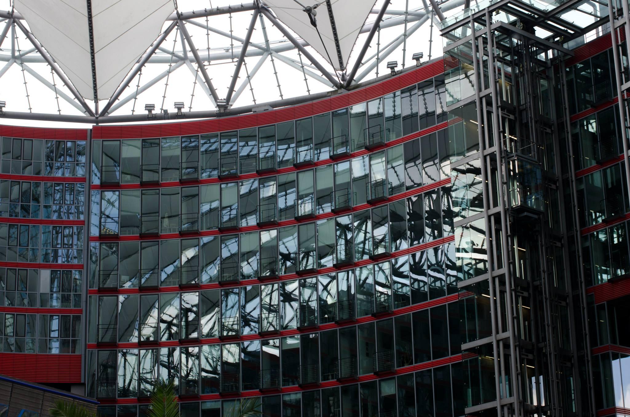 Sony Center windows 2